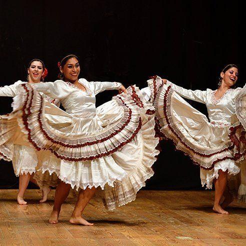 Dancers_492x492
